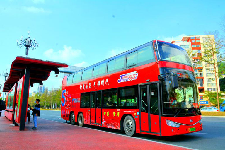 Ankai double-decker buses add color to travel